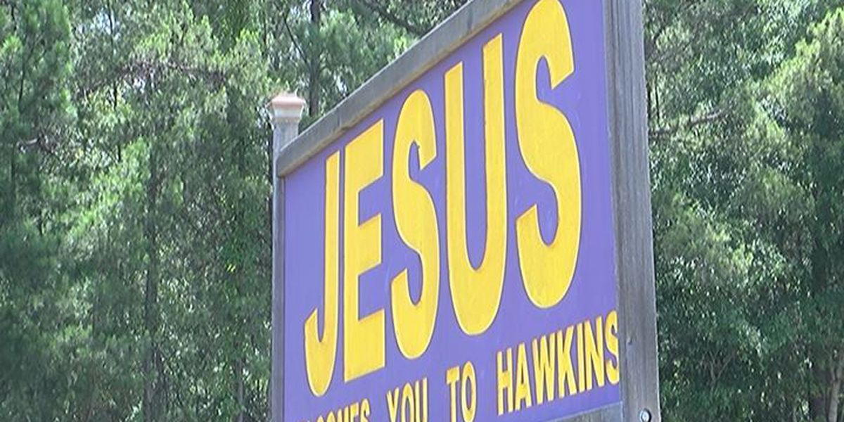 Hawkins city council votes to take down controversial 'Jesus' sign within 30 days