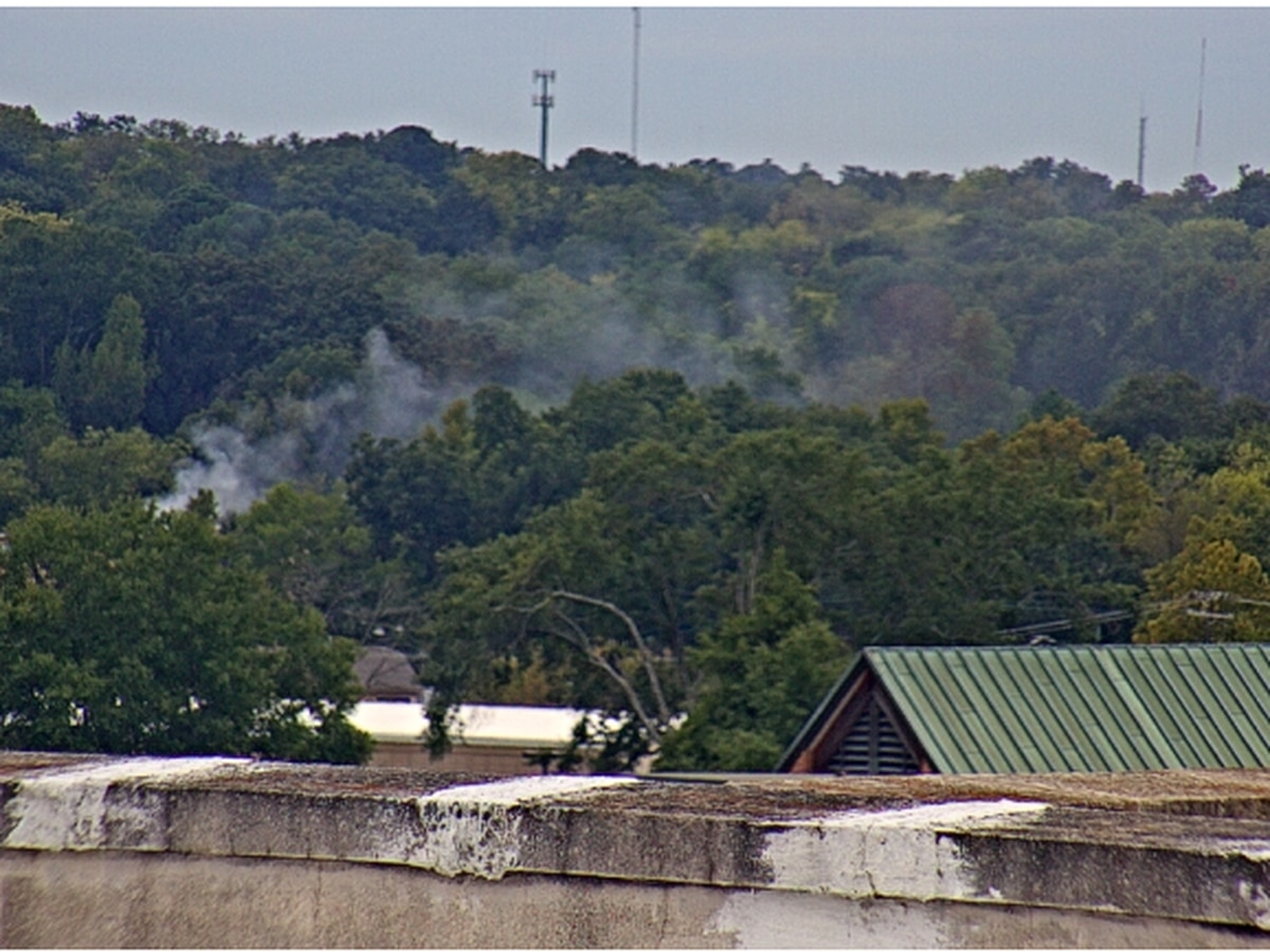 Longview crews responding to structure fire