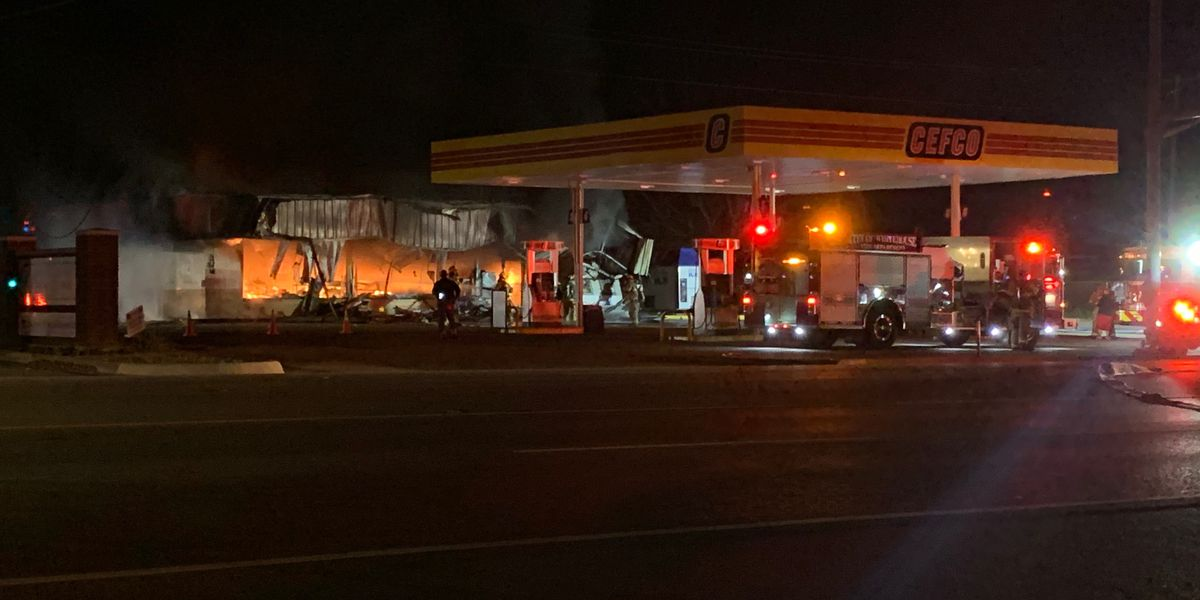 24-hour convenience store in New Chapel Hill destroyed by large fire