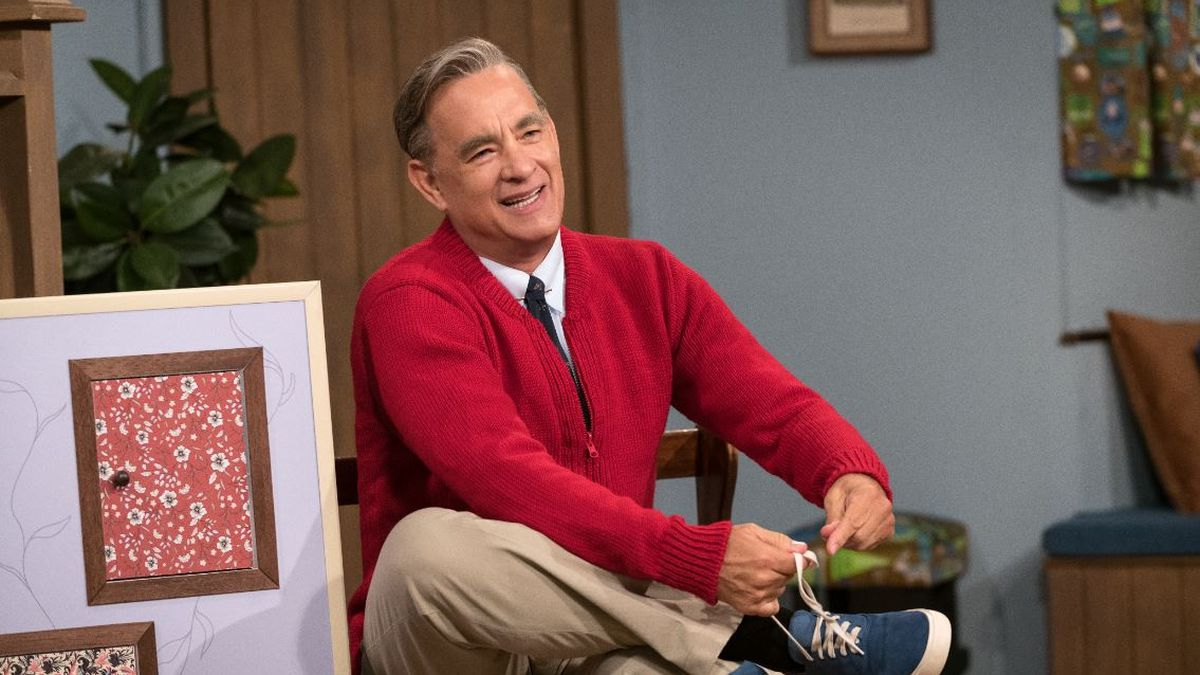 Tom Hanks Finds Out He S Related To Mr Rogers