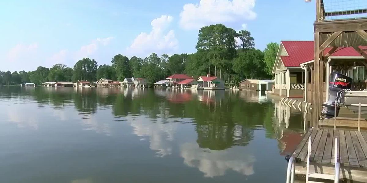 Lake Jacksonville closed, residents worried about alleged rule breakers - clipped version 2