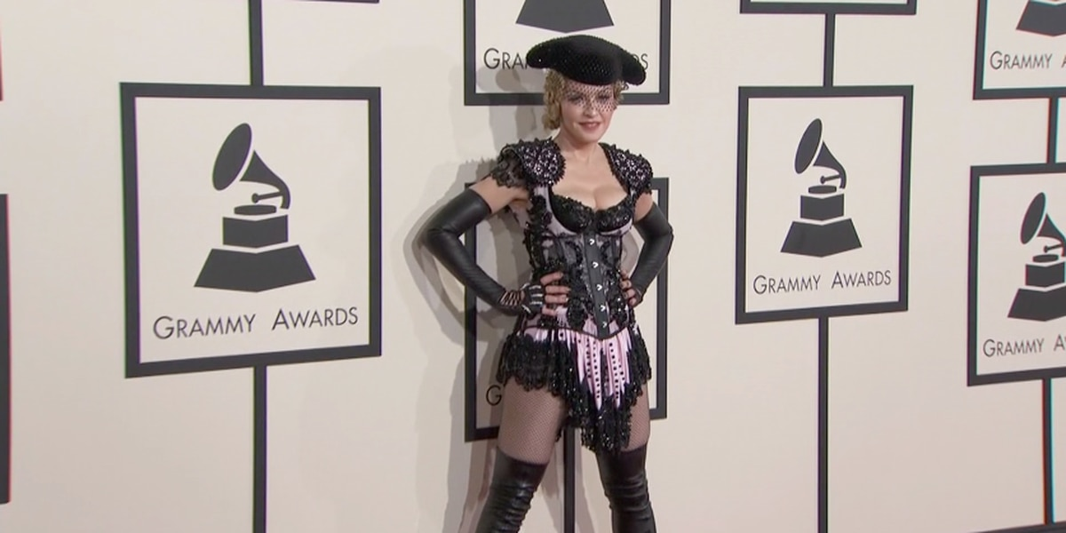 Florida man sues Madonna because her concert is starting too late