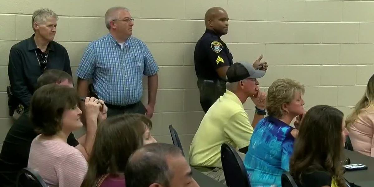 Longview Police Department commissions 4 new officers
