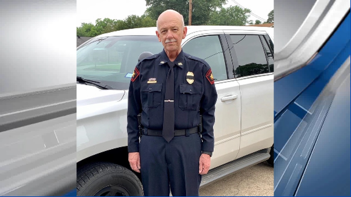 Carthage police chief retires, assistant police chief promoted