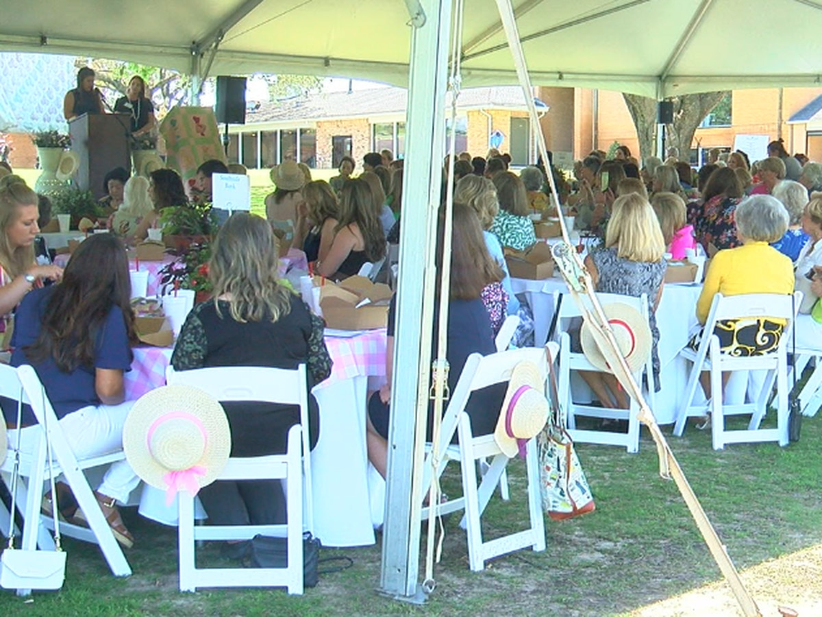 Women's Fund of Smith County celebrates mothers, women in first meeting since pandemic
