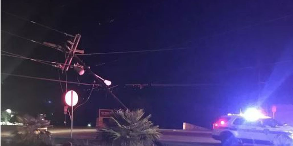 All lanes of Beckham near 5th St. reopened after overnight wreck