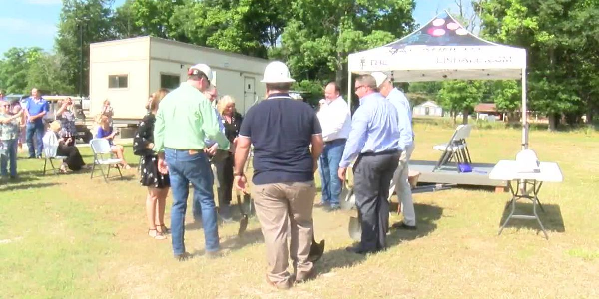 City holds groundbreaking for addition to 'new entertainment capital of East Texas' in Lindale