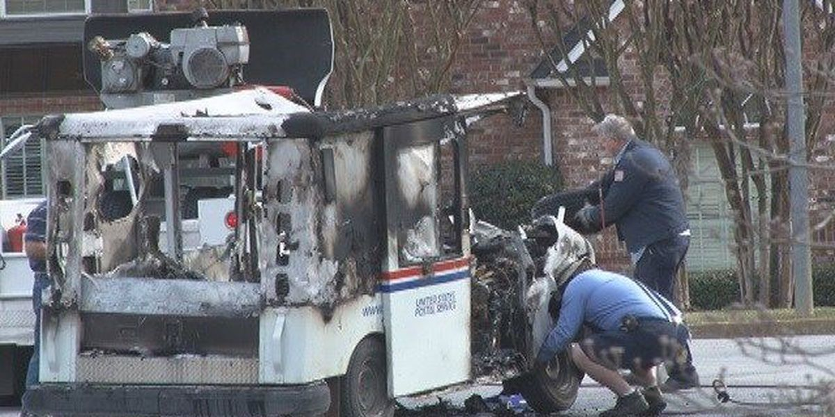 U.S. Postal vehicle catches fire in Tyler neighborhood, mail destroyed