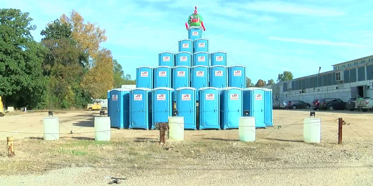 Tree made of porta-potties puts Longview business in the Christmas spirit