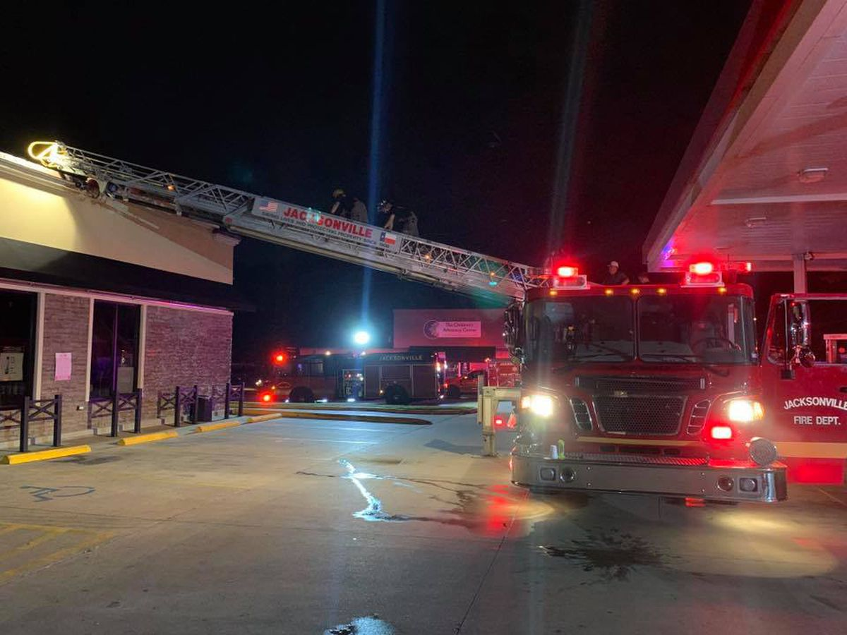 Gas station catches fire in Jacksonville, no injuries reported