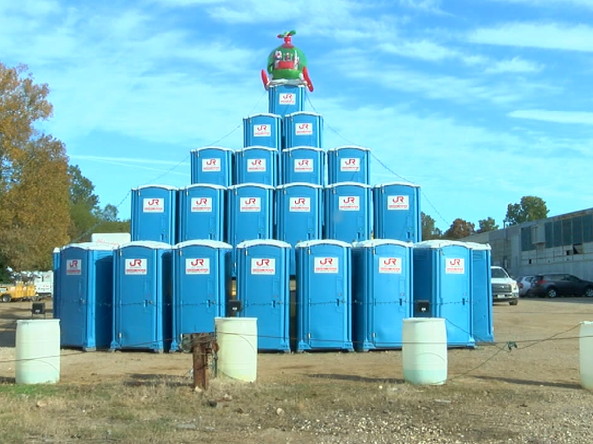 Christmas 'tree' made of port-a-potties helps spread holiday cheer in Longview