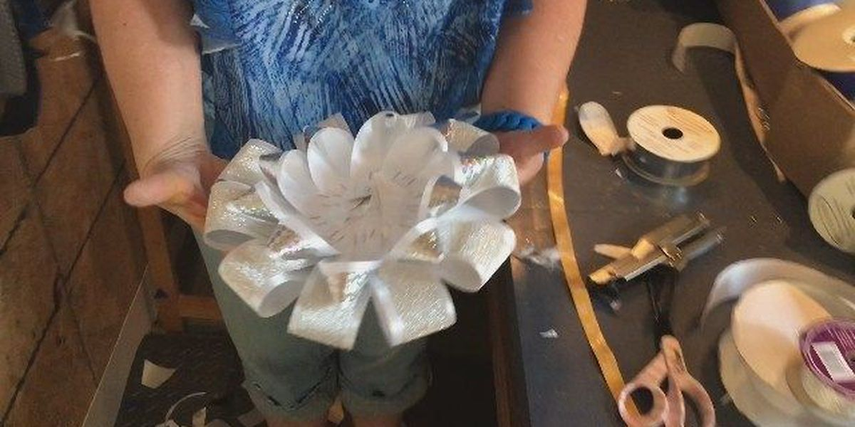 Pt. 2 Making a homecoming mum: Making the head