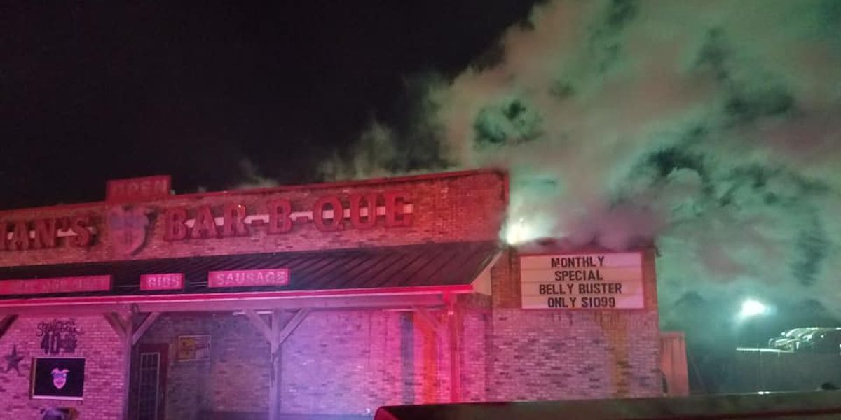 Van barbecue restaurant to remain closed 'indefinitely' after early morning fire