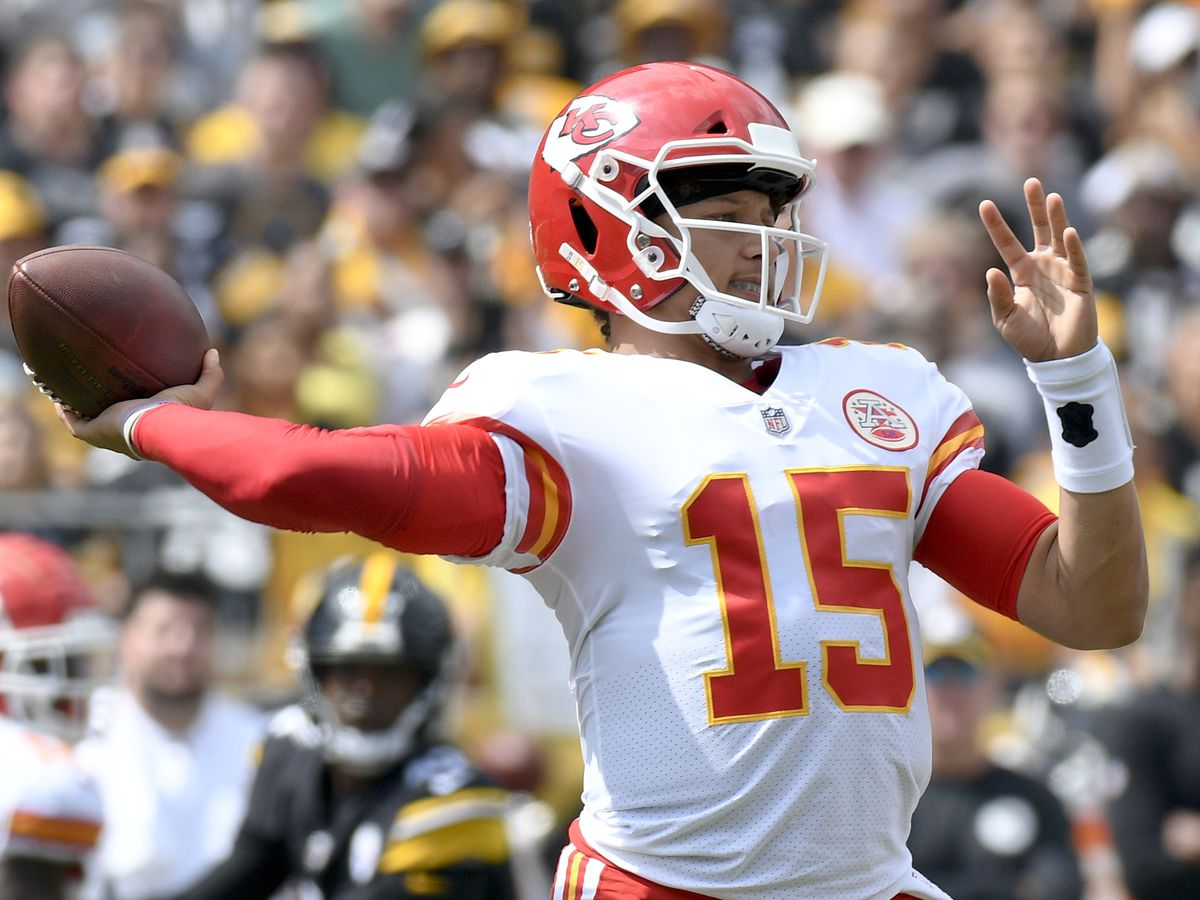 Chiefs' Mahomes earns back-to-back AFC Offensive Player of Week honors