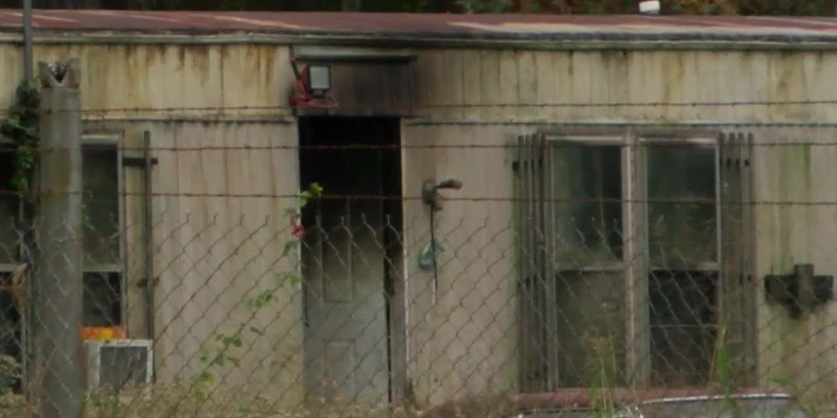 Firefighter, deputies entered burning home in attempt to save children