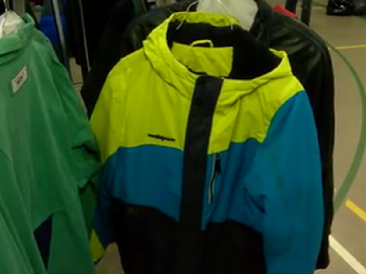 Longview ministry holds coats for kids giveaway