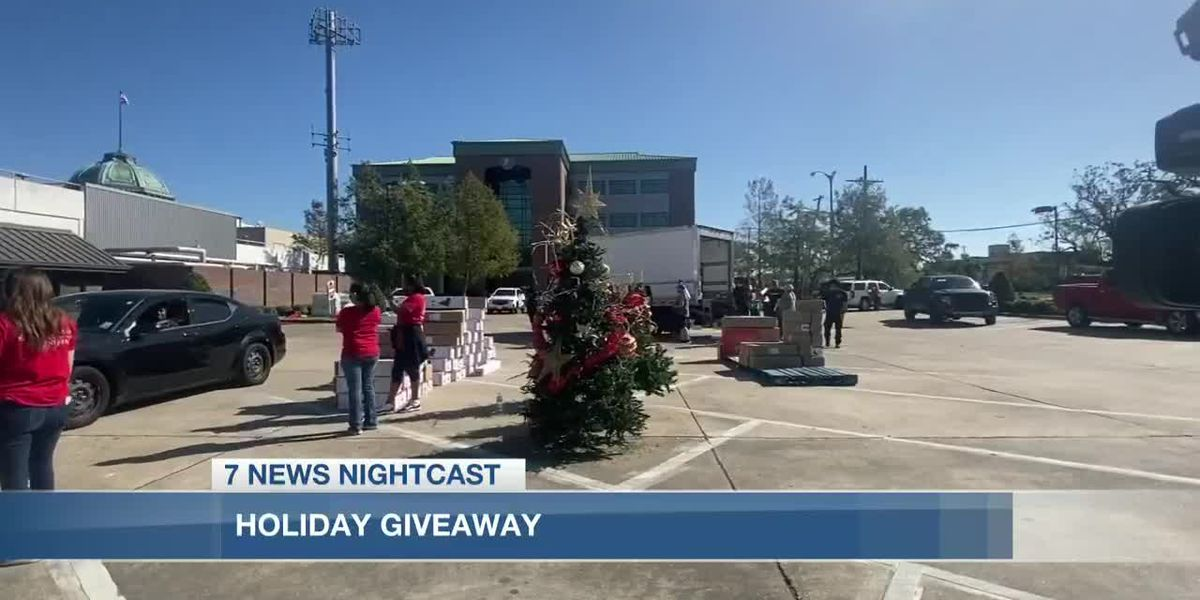Texas organizations provided 500 families with holiday spirit
