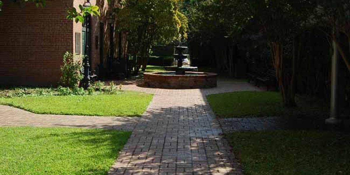 Jefferson, Texas: Beautiful, historic, and ...haunted?