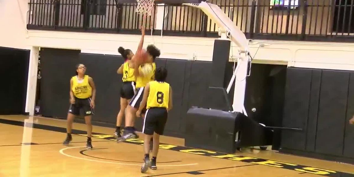 TJC Apache Ladies scrimmage against UT-Tyler