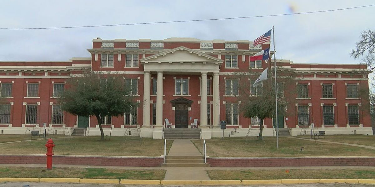 MARK IN TEXAS HISTORY: Historic Groveton courthouse renovation