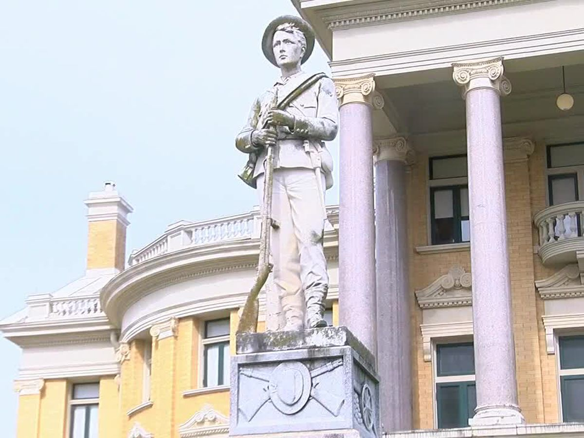 Opposing groups voice over longtime East Texas confederate statue