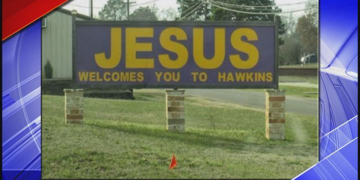 Organization threatens legal action over 'Jesus welcome' sign