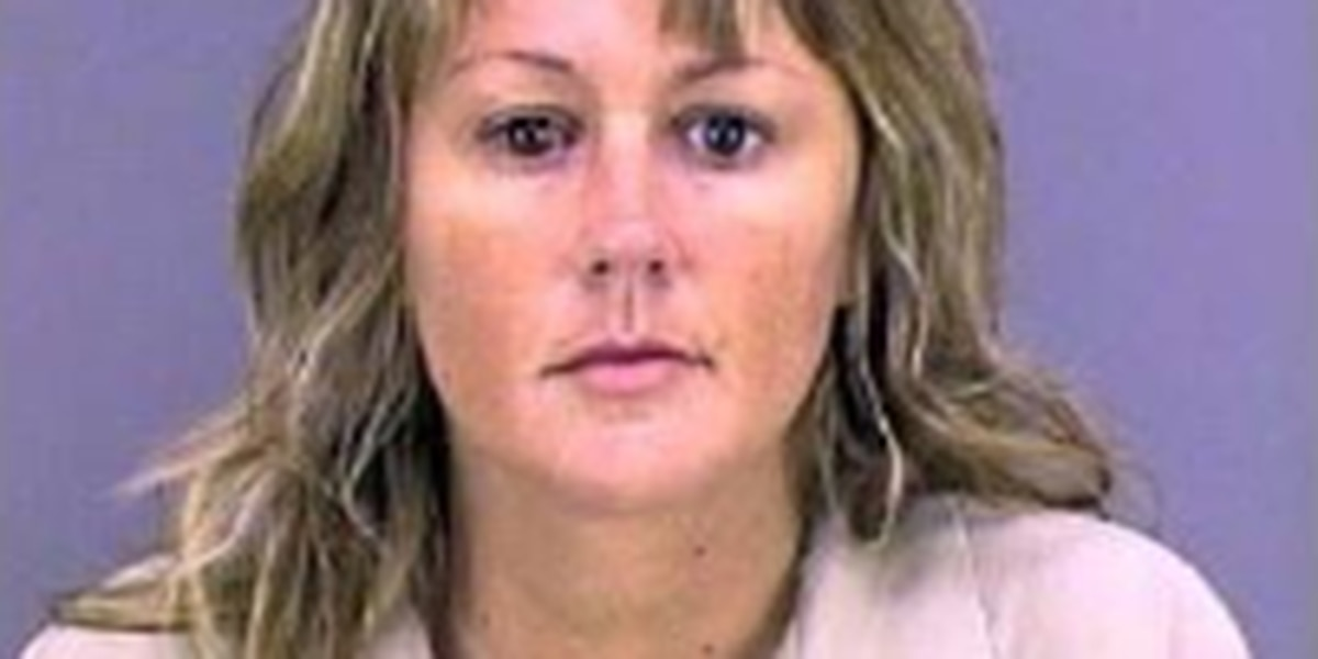 Smith County Sheriff: Woman wanted for embezzling over $100,000 from business