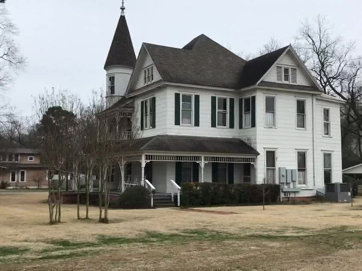 Mark In Texas History: Historic Abernathy House still in use today