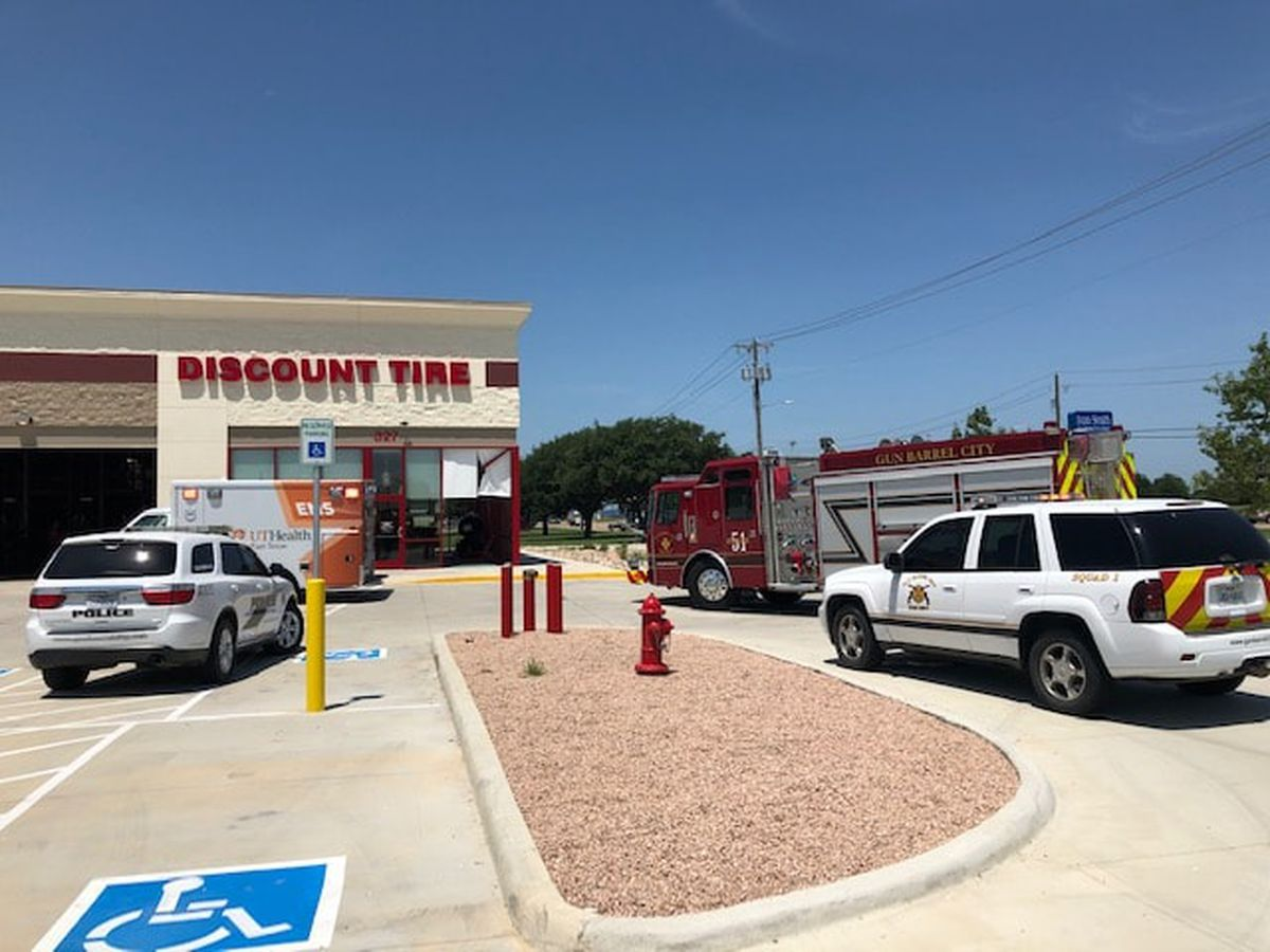 2 injured after vehicle crashes into lobby of Gun Barrel City Discount Tire