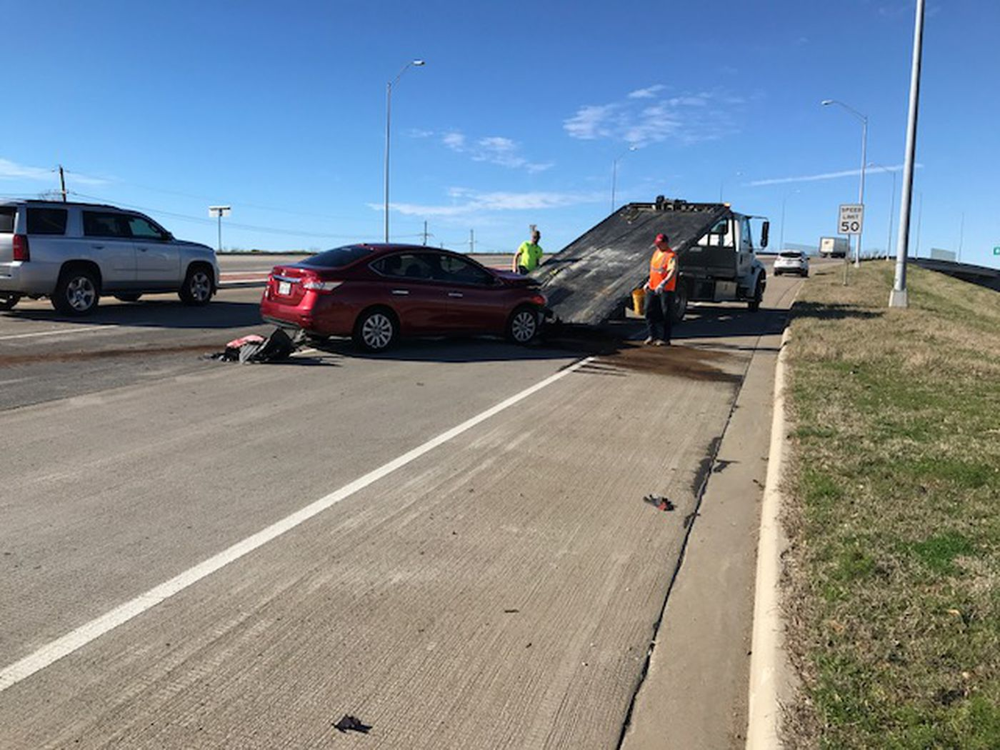 1 hospitalized in Longview crash, NB lanes blocked on W Loop 281