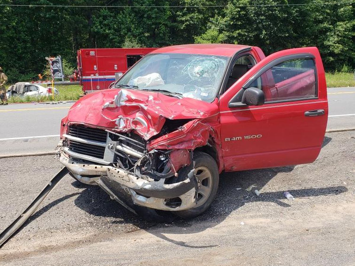 2 dead, 1 injured in Panola County wreck