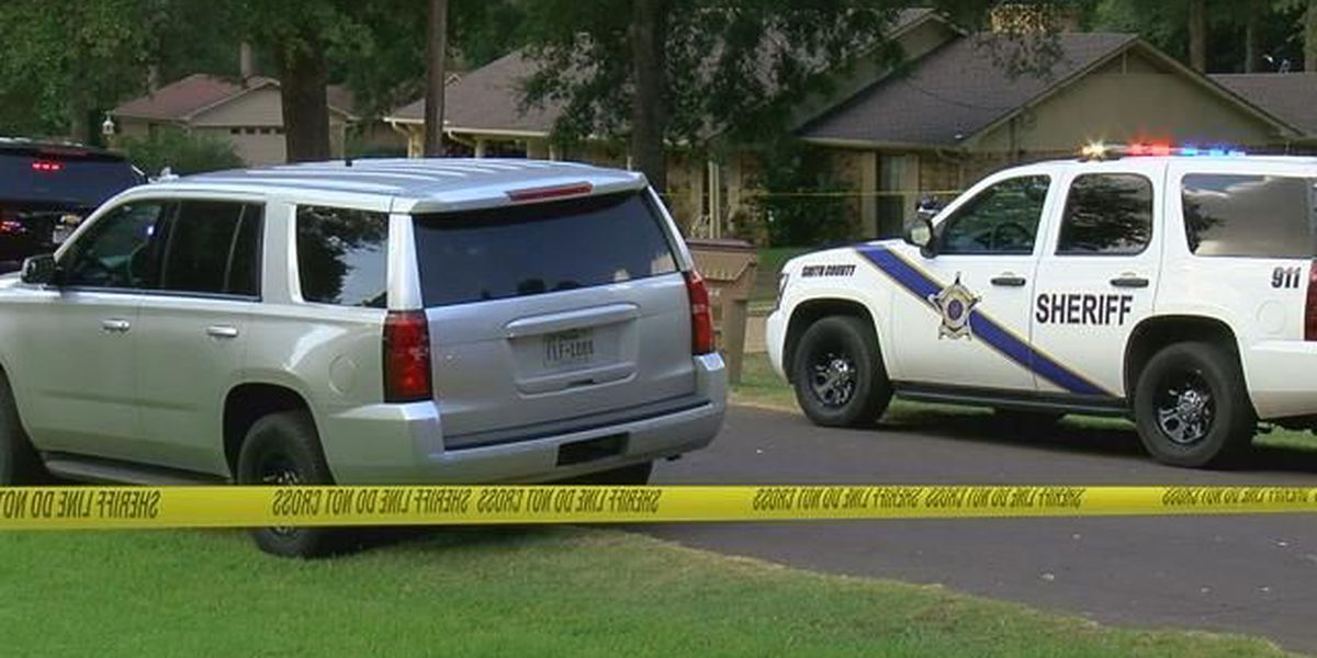 2 injured, 1 suspect in custody after shooting in Whitehouse
