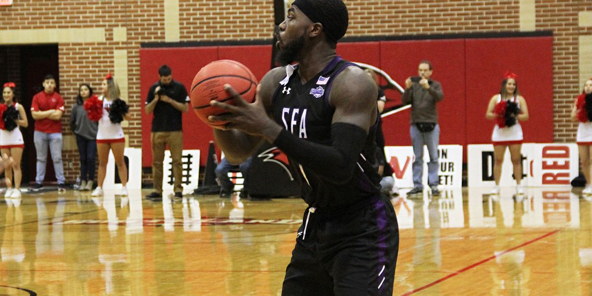 Harris joins 1,000 point club on day that SFA sweeps Incarnate Word