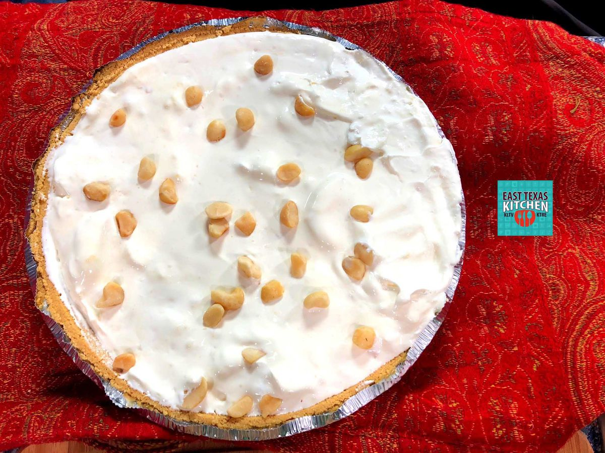 Pineapple freezer pie with toasted macadamia nuts by Mama Steph