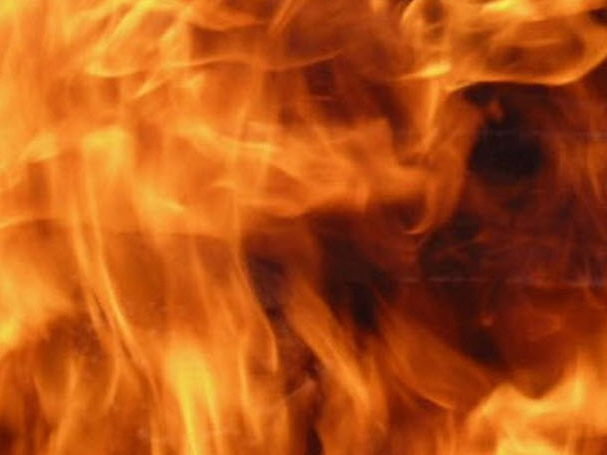 Crews responding to a reported structure fire in Tyler