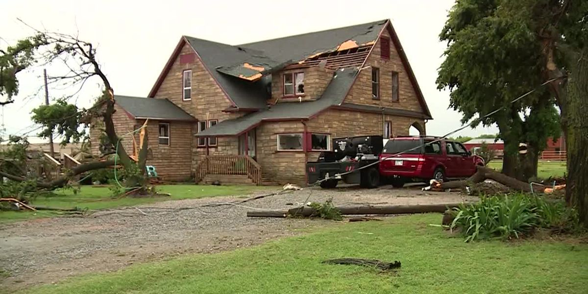 'It was just unbelievable': Fast-moving storm damages Okla. homes