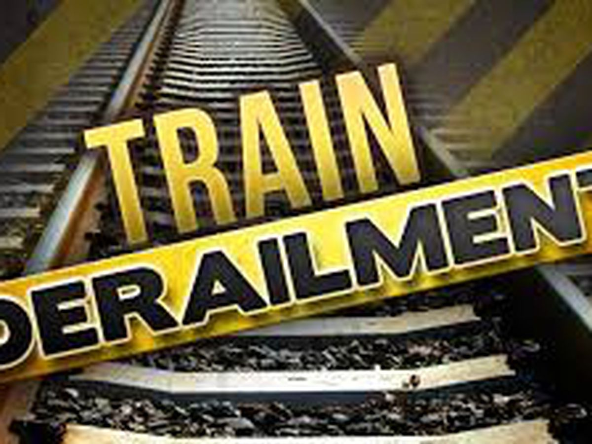 Crews continue to clean up scene of train derailment in Upshur County