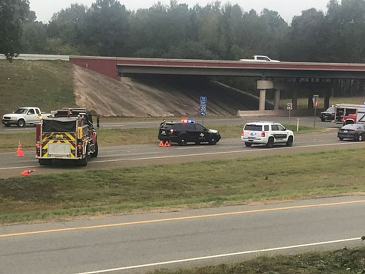 Southbound lane of SH 31 near I-20 in Gregg County closed due to multiple-vehicle wreck