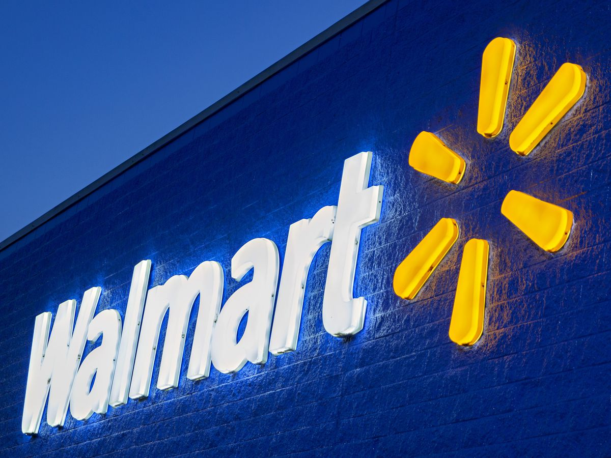 Walmart returns guns and ammunition to US store displays