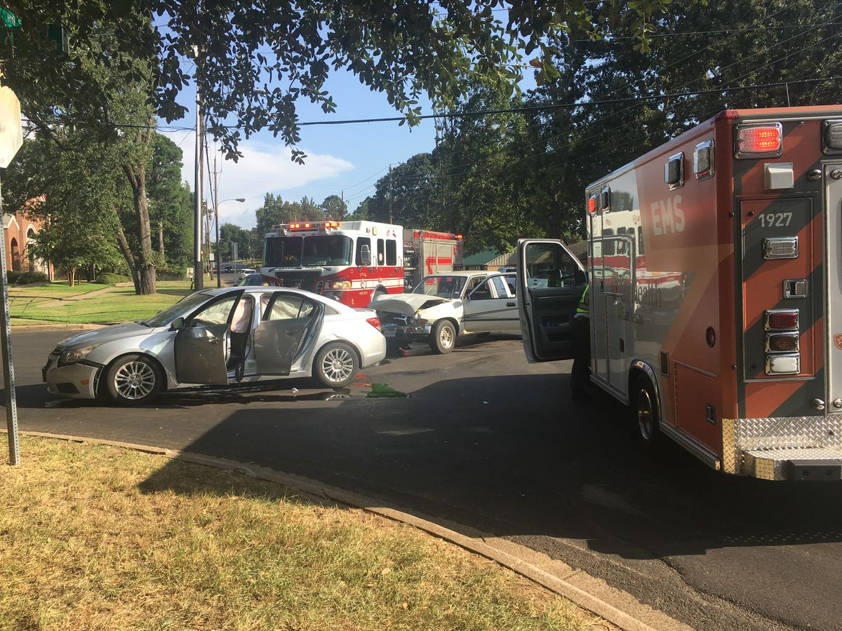 TRAFFIC ALERT: Wreck at McDonald and Old Omen Road slowing traffic