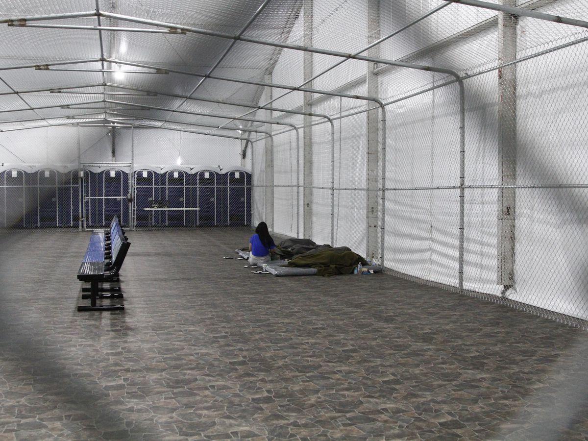 US temporarily closes detention facility at Texas border