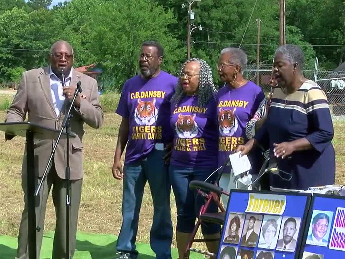 WEBXTRA: Class of 1970 sings at C.B. Dansby High School Historical Marker ceremony