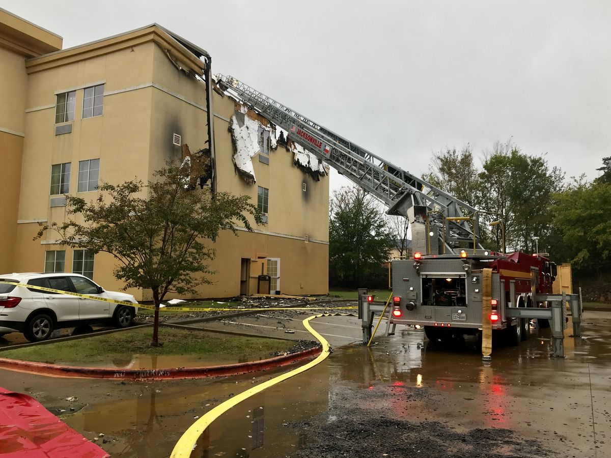 Jacksonville hotel damaged in morning fire