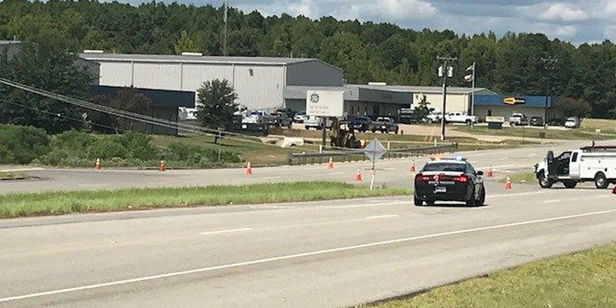 NB lanes closed on Loop 323, Duncan St in Smith County after car crashes into power pole