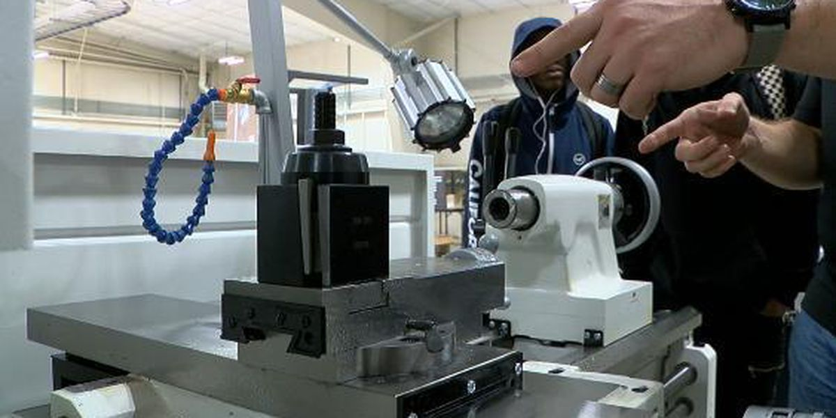 Students train on real world manufacturing equipment