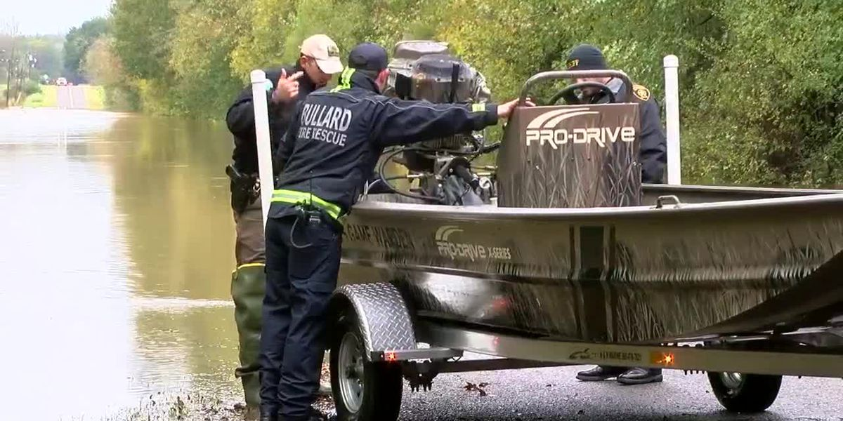 Smith County Game Warden Rescues Man From Flood Water