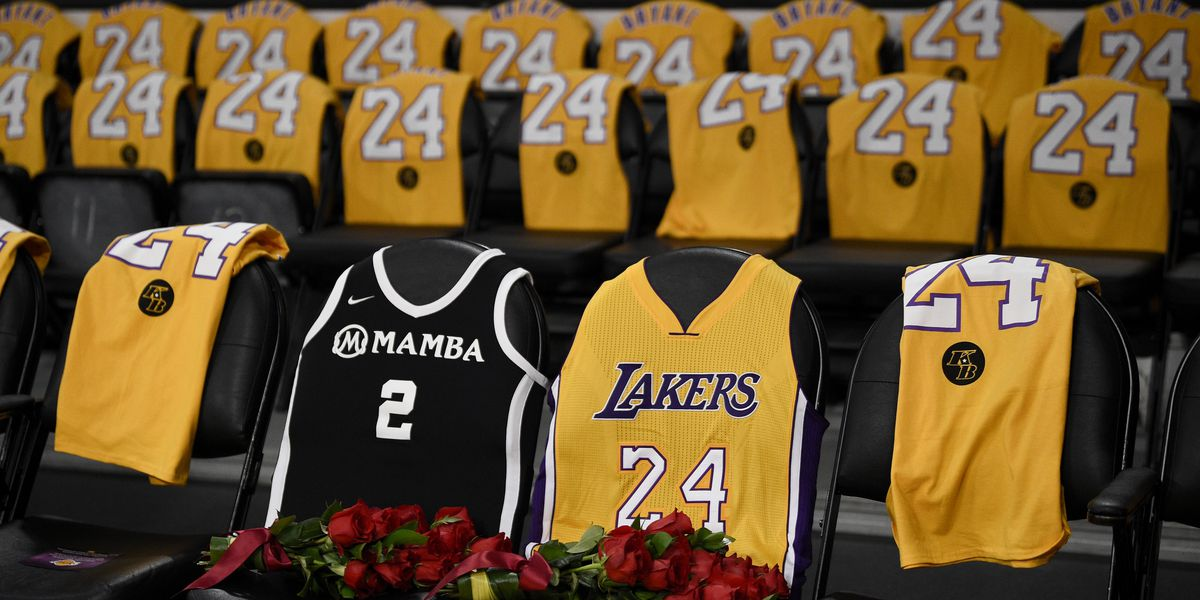 Roses for Kobe and Gianna as Lakers return to action