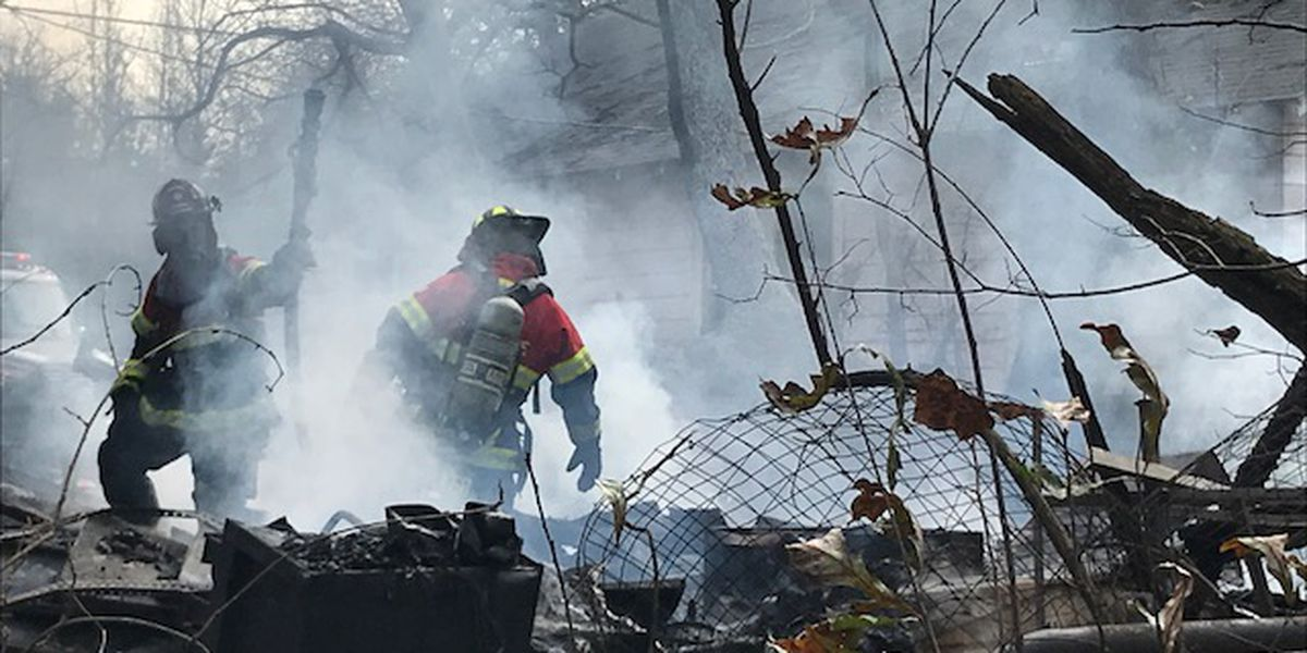Gregg County fire marshal at scene of fire near abandoned home