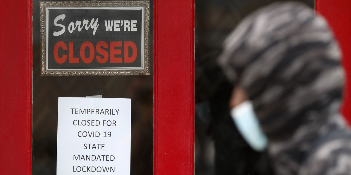 US jobless claims jump to 861,000 as layoffs stay high