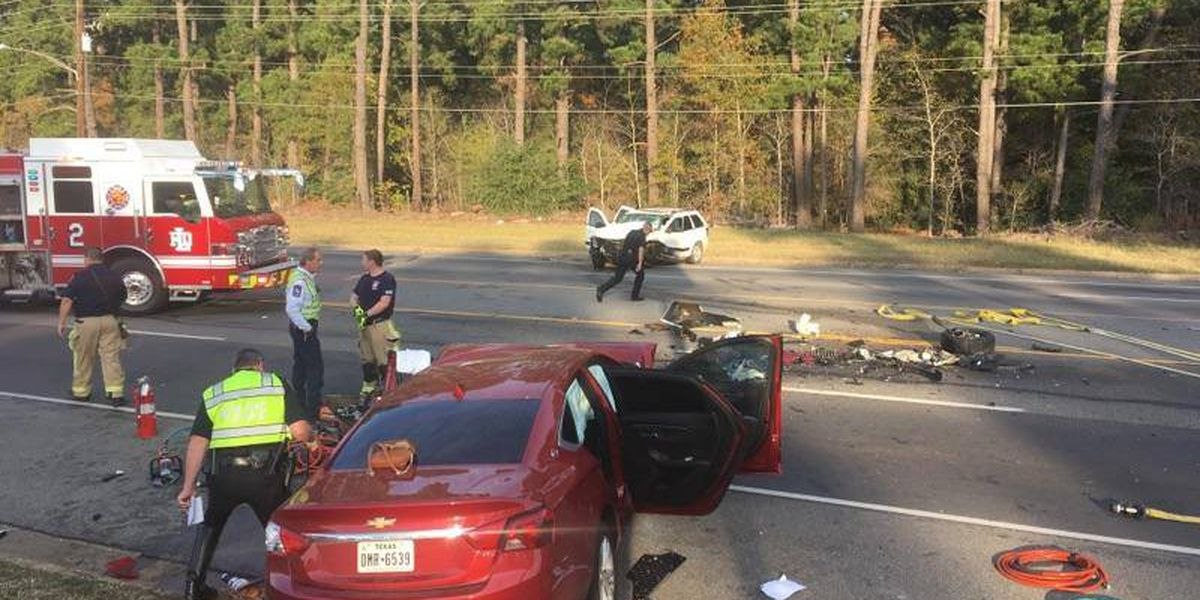 3 seriously injured in wreck on Eastman Road in Longview, roadway now reopened